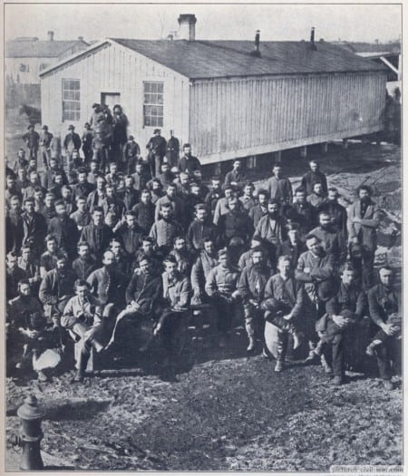 Confederate prisoners Camp Douglas2