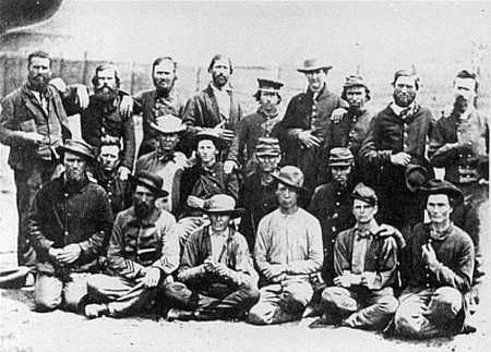 Confederate prisoners Camp Douglas8